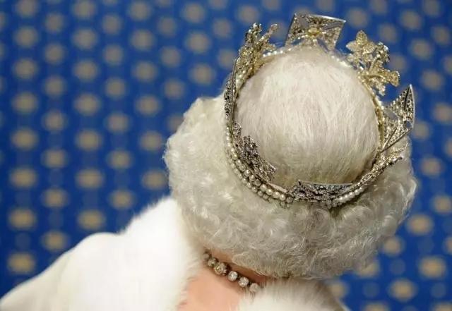 今天英女王90大寿,关于这位全球最酷老奶奶的10件趣事 - 中国日报网