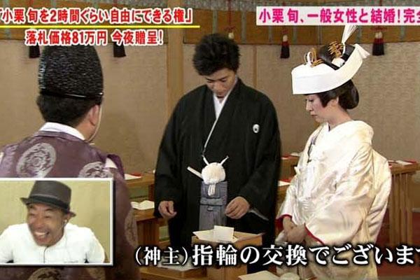 40岁女动画花81万与日本朋友男星办表情发到粉丝包如何圈一线把婚礼图片
