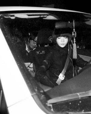 高晓松/高晓松妻子开着他曾经酒驾的车接他出狱回家