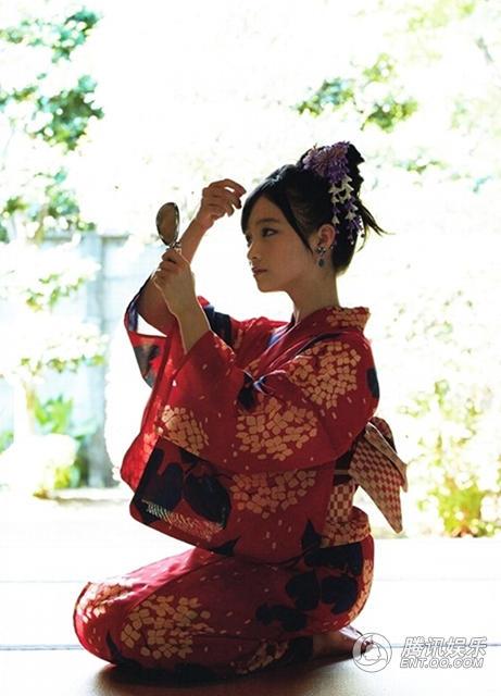 日本美女千年曝性感写真15岁桥本环奈清纯动舞双人和服图片