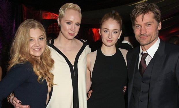 《权利的游戏》全球首映礼在英国伦敦塔举行