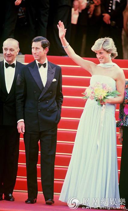 1987年5月15日,英国电影节英国日当天,戛纳查尔斯王子与戴安娜王妃佟大为电影下载图片