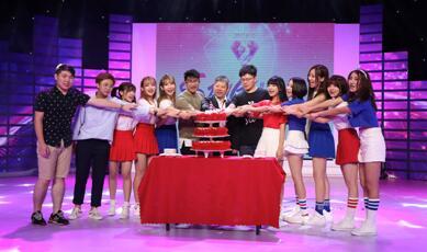 直击SING女团两周年生日会现场 新作舞蹈PV首