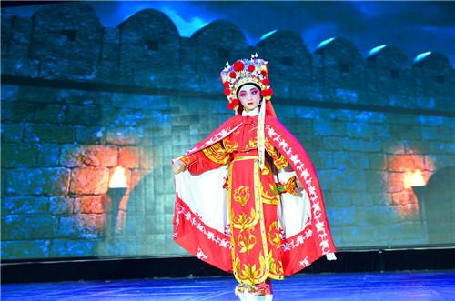 小香玉推全国进戏曲:比赛零武术小学生演绎《校园基础之乡指导图片