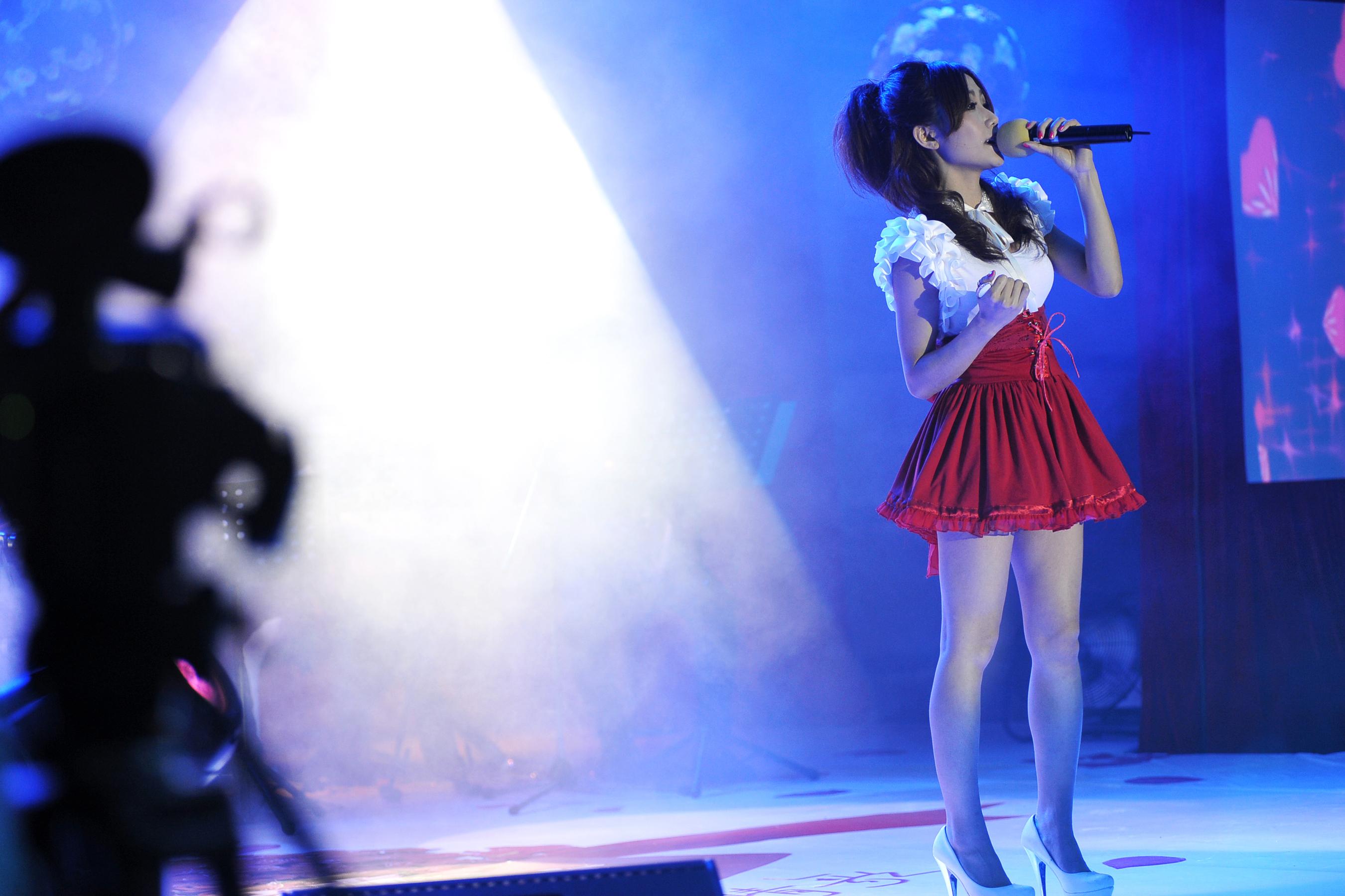 时尚建、韩小熏情人节王子情歌对唱-视频中国和音乐情趣内衣啪啪图片