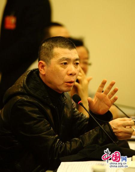 冯小刚/冯小刚在小组讨论会上发言。 中国网陈维松摄