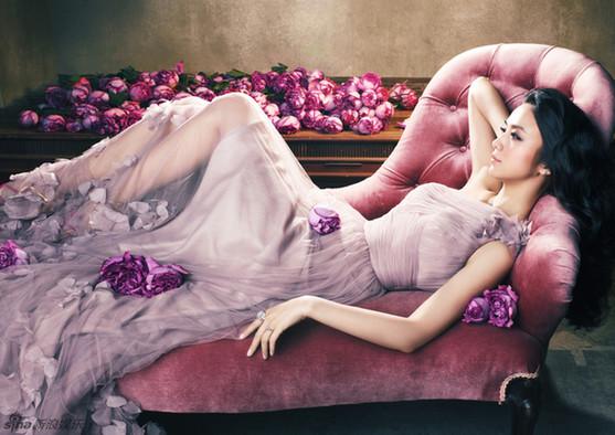 汤唯曝长裙唯美写真 气质典雅人美如花